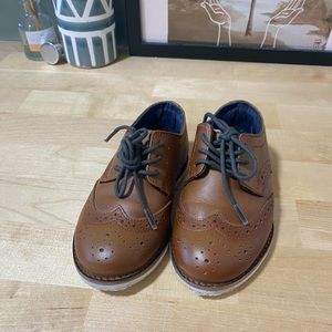 Toddler leather brogues size 7, eur24
